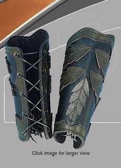 Elven Leaf Arm Bracers are Great for LARP and Theater use. Larp, Elf Kostüm, Costume Armour, Elven Costume, Leather Bracers, Grandeur Nature, Armadura Medieval, Cosplay Tutorial, Fantasy Armor