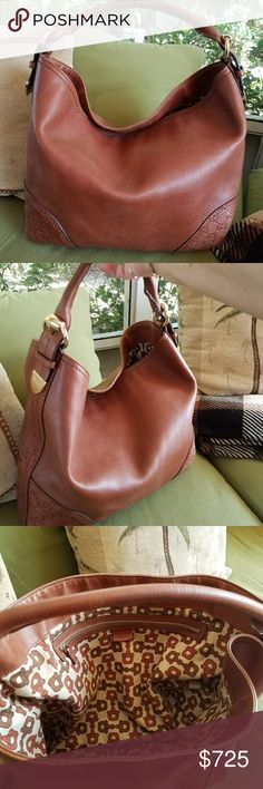 Gucci brown leather hobo handbag Beautiful brown cognac leather Gucci large hobo handbag in excellent condition!⚘ Gucci Bags Hobos