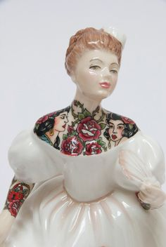 Tattooed Porcelain Figures by Jessica Harrison (7 Pictures)