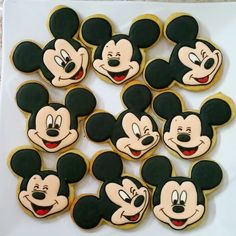 homemade fancy cookies for your occassion: Mickey mouse faces cookies Cookies For Kids, Fancy Cookies, Cute Cookies, Cupcake Cookies, Minnie Mouse Cookies, Mickey Mouse Cake, Mickey Mouse Birthday, Pastel Mickey, Fiesta Mickey Mouse