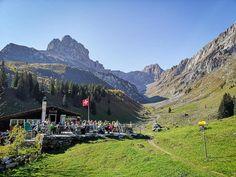 Wandertipp: Von Braunwald zum Oberblegisee im Kanton Glarus S Bahn, Kanton, Hiking, Mountains, Places, Nature, Travel, Europe, Fall Weather