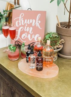 Mimosas + bridal showers pretty much go hand in hand.