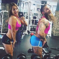 #LegionofBoom! Today we have a pose showdown between 1st Phorm Athletes Ami Houde and Derek Weida. So... who wore it better? #whatreallyhappensatourphotoshoots