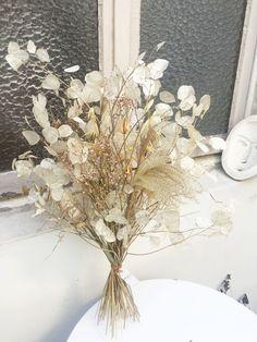 bouquet séché monnaie du pape et graminées Bouquet, Creations, Paris, Table Decorations, The Originals, Image, Furniture, Home Decor, Designer Radiator