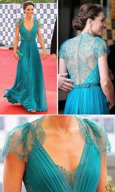 vestido rodado de renda azul royal - Pesquisa Google                                                                                                                                                                                 Mais