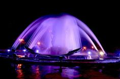 Kinetic fountain in Braila, Romania at night Places Worth Visiting, Places To Visit, Places Around The World, Around The Worlds, Wonderful Places, Beautiful Places, Architecture Old, Romania, Journey