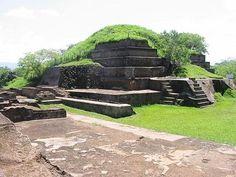 Mientras mi familia estuvieron allí, ellos visitaron el San Andrés sitio arqueológico. Donde estuvieron las ruinas de pirámide Mayan.