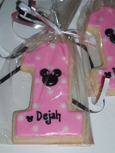 mInnie mouse age cookie love this idea!