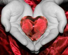 Kelemahan wanita ada di hatinya. Kalo kamu bisa menyentuhnya, kamu bisa menyentuh segalanya - Rons