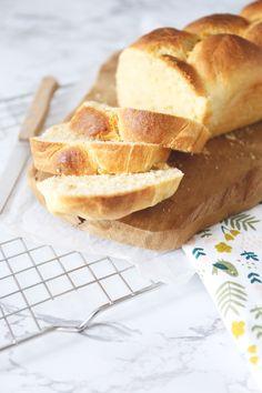 Basisrecept: brioche - Lekker en Simpel Pastry Recipes, Bread Recipes, Bread Cake, Bread And Pastries, Pastry Cake, Sweet Bread, High Tea, Bread Baking, Baked Goods