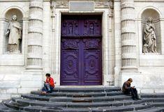 Love this gorgeous door in Paris!