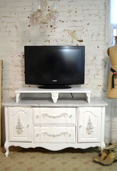 Exceptional Painted Cottage Chic Shabby White French Media TV Stand