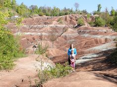 The Cheltenham Badlands in Caledon, Ontario -- The Baking Bookworm: Gettin' Bad in the Badlands --  A great day trip in a truly spectacular place! #ontario #travel #daytrip