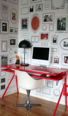 We're crazy about this wallpaper filled with blank picture frames that your kids will enjoy too! -------------------- #picture #frames #wallpaper #decorations #diy