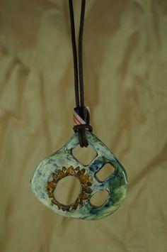Dije en cerámica esmaltada Sol y ventanas de vitrumkaleidos en Etsy
