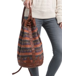 Rip Curl's The Eagle Oversized Bag is perfect for fall festivals!