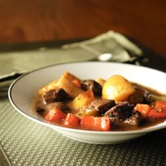 Autumn Beef Stew - a flavorful old-fashioned beef stew with a variety of fall vegetables and apple cider. Gluten Free Buns, Gluten Free Soup, Paleo Soup, Gluten Free Dinner, Gluten Free Recipes, Paleo Diet, Clean Recipes, Beef Recipes, Real Food Recipes