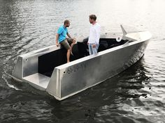 Ripple Yacht powerful electric drive controlled by a two-finger control pod
