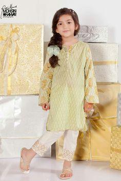 Frocks For Girls, Little Girl Outfits, Little Girl Dresses, Girls Dresses, Kid Outfits, Kids Indian Wear, Kids Ethnic Wear, Manado, Kids Party Wear