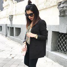 outfit-look-looks-fashion-blogger-veronica-giuffrida-italia-giacca-jeans-brunette-half-bun-style-hair-camicia-zara-fiori-  Instagram/Snapchat: @Veronikagi