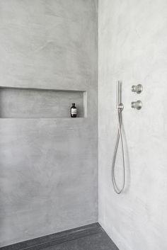 bathroom tile designs diy bathroom remodel ideas is very important for your home. Whether you choose t DIY Badezimmer umgestalten Ideen ist sehr wichtig fr Ihr Zuhause. Cement Bathroom, Concrete Shower, Bathroom Flooring, Bathroom Mirrors, Bathroom Faucets, Wainscoting Bathroom, Bathroom Shelves, Bathroom Organization, Bathroom Furniture