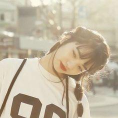 Many people buy their first digital camera but have absolutely no idea how to use it. Nana Komatsu Fashion, Komatsu Nana, Asian Street Style, Cute Japanese Girl, Japanese Models, Ulzzang, Pretty People, Girl Photos, Asian Beauty