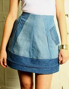 Jupe, en jeans... peut-être revoir la forme un peu trop évasée. reconstructed denim - Google Search
