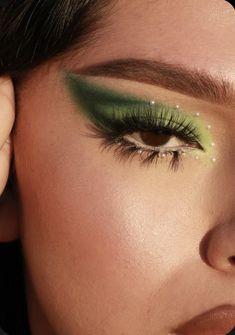 Makeup Eye Looks, Creative Makeup Looks, Eye Makeup Art, Cute Makeup, Eyeshadow Makeup, Orange Eyeshadow, Dark Eyeshadow, Makeup Brush, Glitter Makeup