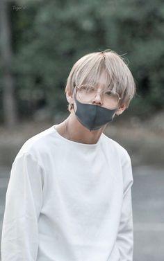 ^_^ like a cute teddy. Jimin, Bts Taehyung, Kim Namjoon, Jung Hoseok, Seokjin, Daegu, Foto Bts, Kpop, Rapper