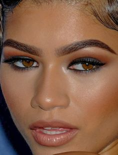 zendaya - more close-ups of zendaya can be found here zendaya zendaya coleman red carpet makeup celeb celebrity celebritycloseup Glam Makeup, Makeup Inspo, Makeup Inspiration, Makeup Tips, Beauty Makeup, Eye Makeup, Hair Makeup, Zendaya Makeup, Celebrity Makeup Looks