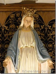 Statue of Our Lady in the Crypt of the Shrine of Our Lady of Good Help © SalveMaterDei.com, 2012.