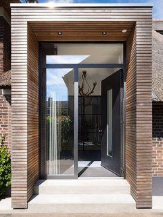 Transformatie van een monumentale boerderij in Zwolle - Hoog ■ Exclusieve woon- en tuin inspiratie. Desing Inspiration, Farmhouse Remodel, Entrance Doors, Spanish Style, House Goals, House Front, Cladding, Architecture, Glass Door