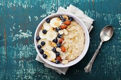 Is instant oatmeal as healthy as steel-cut oats, rolled oats, and whole oat groats? Find out how the nutrition stacks up—and more—on Cooking Light. Heart Healthy Recipes, Healthy Snacks For Kids, Easy Healthy Dinners, Whole Food Recipes, Healthy Foods, Healthy Eating, Health Breakfast, Breakfast Recipes, Whole Foods