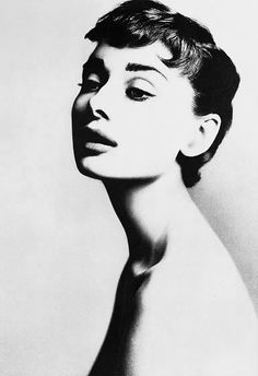Audrey Hepburn, actor, New York, December 18, 1953   	Copyright	 	© 2008 The Richard Avedon Foundation