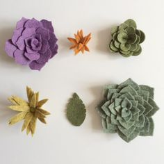 Felt Succulents, Succulent Plants, Planting Succulents, Felt Diy, Felt Crafts, Diy Crafts, Felt Flowers, Diy Flowers, Cactus Craft