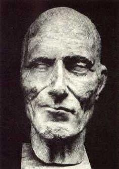 julius ceasar - death mask.- VERCINGETORIX fut l'un des chefs gaulois ayant réussi à fédérer une partie des peuples gaulois, en montrant de réels talents militaires face à l'un des plus grands stratèges de son temps; Jules César.