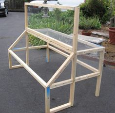 brooder top. This looks cool, and I'm not sure but I bet it would work for quail as well - neato!