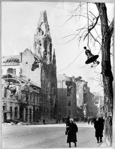 1956 Budapest Hungary, Vintage Photos, Roots, History, Beautiful, Historia, Old Photos