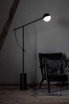 Un lampadaire esprit boule, Nothern Luminaire Design, Decoration, Floor Lamp, Flooring, Lighting, Home Decor, Bed Reading Light, Floor Lamps, Spirit