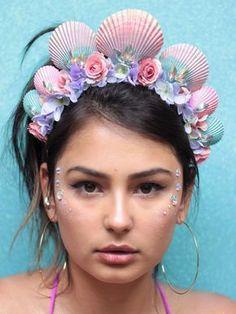 Tiara de Sereia Splash Mermaid Headpiece, Mermaid Crown, Mermaid Jewelry, Headpiece Wedding, Mermaid Costume Makeup, Mermaid Makeup, Mermaid Under The Sea, Under The Sea Party, Under The Sea Costumes