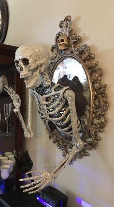 Halloween Ghost Decorations, Halloween Home Decor, Halloween Skeletons, Diy Halloween Decorations, Halloween Town, Holidays Halloween, Scary Halloween, Halloween Themes, Diy Ghost Decoration