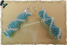 DNA Spiral earrings with bugles. - translate then click on link below picture for link. ~ Seed Bead Tutorials Bugle Beads, Seed Beads, Beading Tutorials, Beading Patterns, Seed Bead Jewelry, Beaded Jewelry, Bead Crafts, Jewelry Crafts, Beaded Bracelets Tutorial