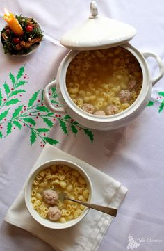 Escudella de Nadal Soup Recipes, Cooking Recipes, Healthy Recipes, Good Food, Yummy Food, Spanish Food, Mediterranean Recipes, My Favorite Food, Food And Drink
