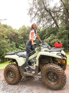 Trip To Hawaii Tara Michelle Real Country Girls, Country Girl Life, Cute N Country, Country Music, Atv Riding, Four Wheelers, Summer Goals, Summer Aesthetic, Girls Life
