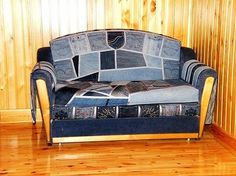 Old Jeans DIY Reuse Ideas - MB Desire DIY and Crafts link was blocked, but the pic speaks for itself. Diy Furniture Renovation, Apartment Furniture, Jean 1, Diy Regal, Denim Crafts, Diy Interior, Cool Diy Projects, Reuse, Repurpose