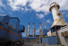 La central térmica de ciclo combinado es aquella donde se genera electricidad mediante la utilización conjunta de dos turbinas: un turbogrupo de gas y un turbogrupo de vapor.  Más información sobre las centrales térmicas de ciclo combinado: http://www.endesaeduca.com/Endesa_educa/recursos-interactivos/produccion-de-electricidad/ix.-las-centrales-termicas-de-ciclo-combinado