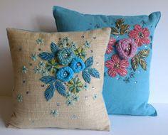 Cushion Embroidery, Silk Ribbon Embroidery, Hand Embroidery Designs, Embroidery Patterns, Embroidered Cushions, Crochet Cushion Cover, Crochet Cushions, Couch Pillow Covers, Pillow Cover Design