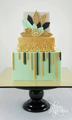 Mint, gold and black Art Deco cake - Cakes 2 Cupcakes Pretty Cakes, Beautiful Cakes, Amazing Cakes, Art Deco Cake, Cake Art, Unique Cakes, Creative Cakes, Cupcakes, Cupcake Cakes