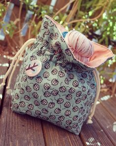 Sewing Online, Diy Tote Bag, Fall Color Palette, Couture Sewing, Drawstring Pouch, Make And Sell, Bag Making, Clutch Bag, Sewing Projects