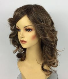 Anime Cosplay Costumes, Costume Wigs, Cosplay Wigs, 1970s Disco, Halloween Wigs, Caramel Highlights, Character Costumes, Hairspray, Synthetic Wigs